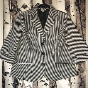 Cropped steampunk fitted 3/4 sleeve striped blazer